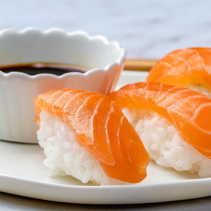 Cách Làm Sushi Cá Hồi Ngon Chuẩn Nhà Hàng Nhật